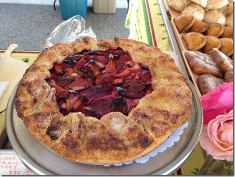 Rustic Fruit Tart with Stawberries, Plums and Frangipane
