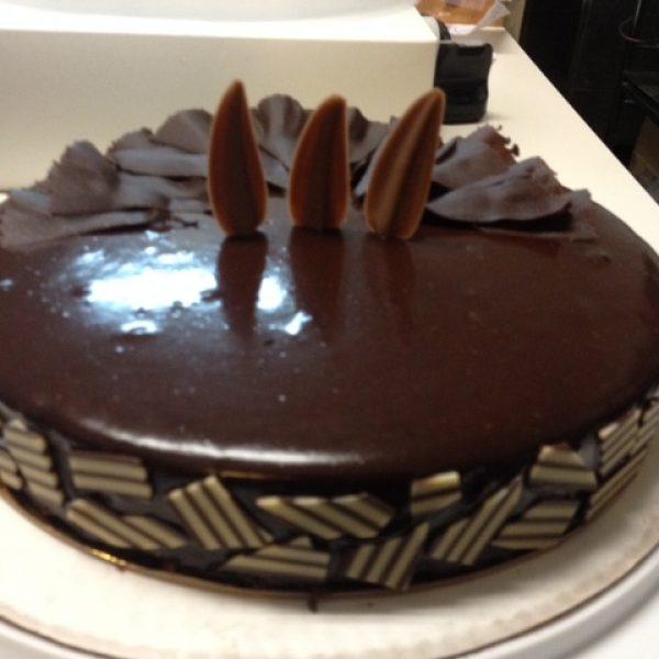 Choc Flourless cake 10 inch
