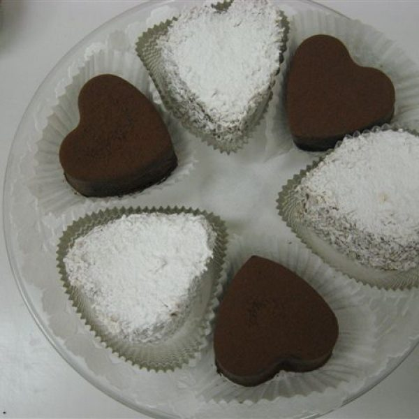 Chocolate flourless hearts